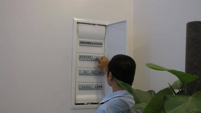 Tủ điện âm tường thương hiệu Hager